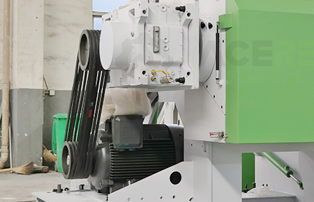 HS-Series Single-shaft Shredder is equipped with high-quality & powerful gear box
